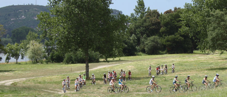 chicos-chicas-ruta-bicicleta